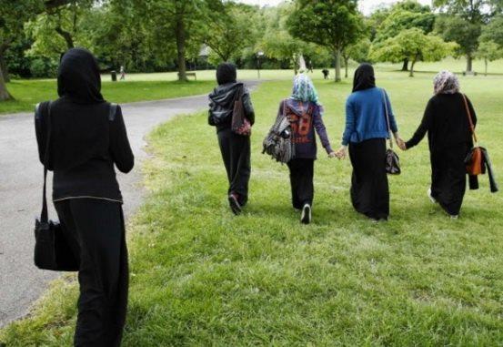 Ini Beda Skotlandia Dan Prancis Dalam Memperlakukan Muslimah