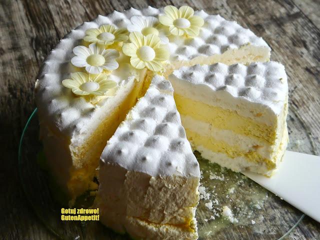 Tort bezowy z cytrynowym kremem Russel - Czytaj więcej »