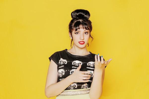 Jenni Mosello lança primeiro álbum autoral