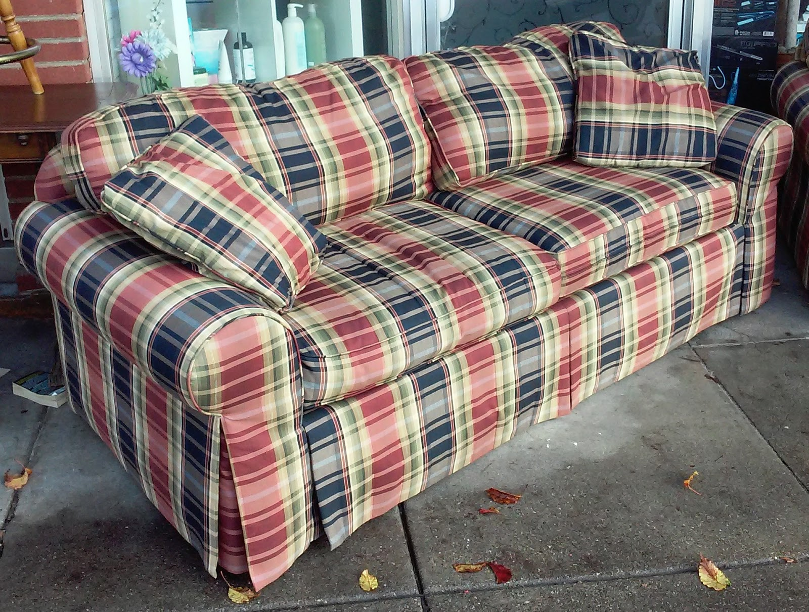UHURU FURNITURE & COLLECTIBLES SOLD REDUCED Highland