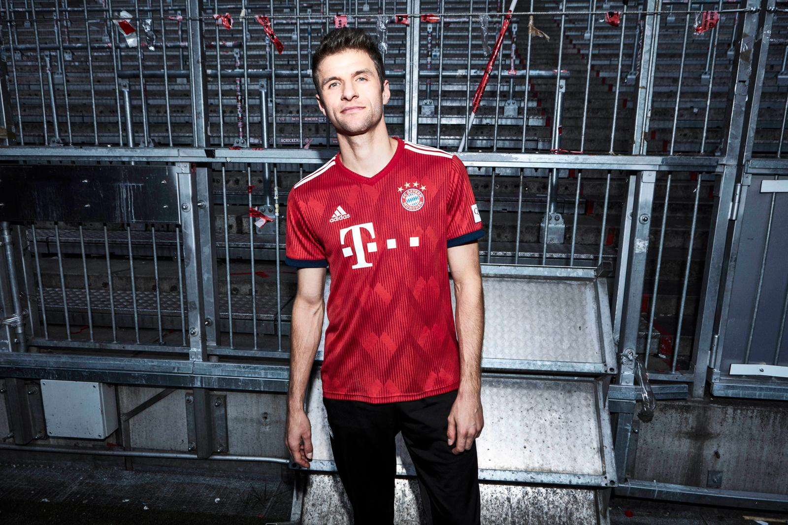 bayern-munich-18-19-home-kit-2.jpg