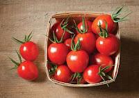 5 Cara Alami Mengatasi Bibir Pecah-Pecah- tomat