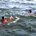 Guardavidas de Maldonado salvó de ahogarse a un padre y su hijo