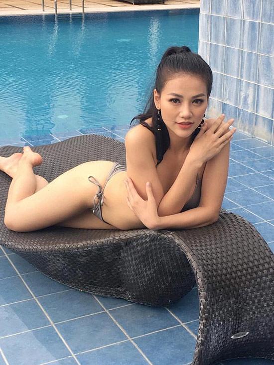 Hoa hậu Phương Khánh đẹp rạng rỡ khi xuất hiện ở quê nhà