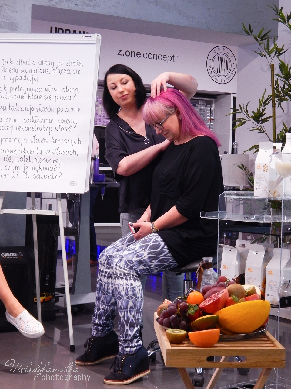 14  relacja spotkanie blogerek akademia z.one concept łódź szkolenia dla fryzjerów akademia fryzjerska koloryzacja melodylaniella jak dbać o włosy pielęgnacja koloryzacja włosów