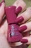 http://lacquediction.blogspot.de/2016/09/essence-gel-nailpolish-73-more-than.html