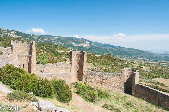 Muralla Castillo Loarre. Visitando Huesca