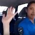 (video) DOS MUJERES POLICÍAS SE FILMARON  BAILANDO MIENTRAS MANEJABAN