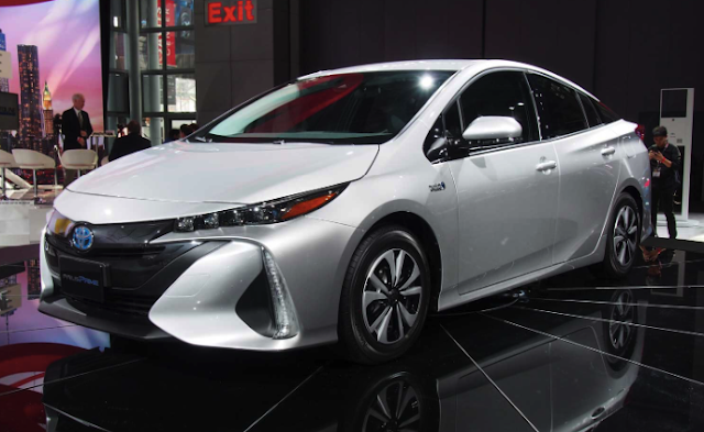 2017 Toyota Prius Prime Plug-In Hybrid Review