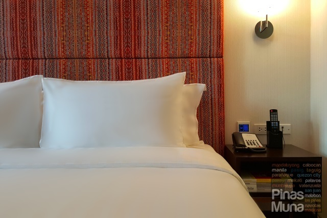 Bed at at Mercure Manila Ortigas