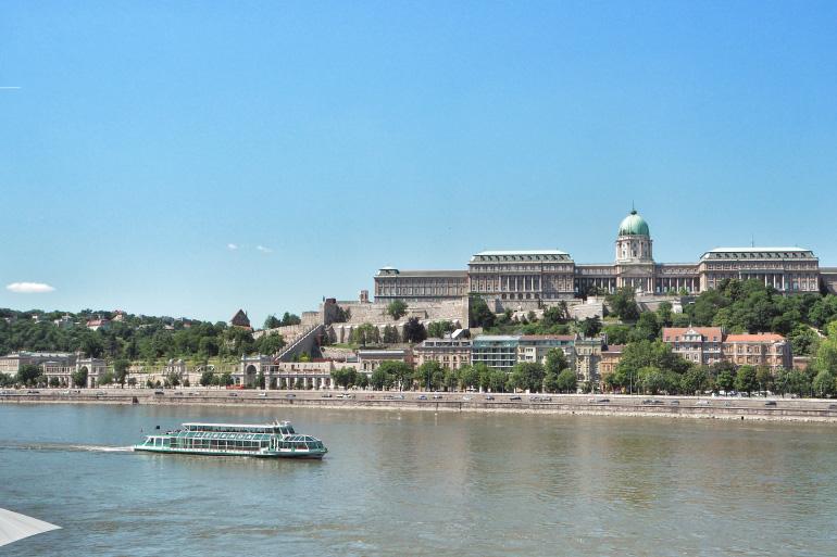 Palais royal de Budapest et Danube