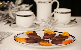 Medias lunas de naranjas chocolateadas