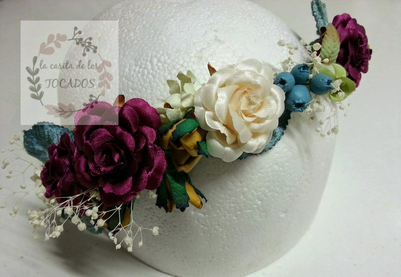 diadema multicolor para boda o evento de fiesta con flores y hojas