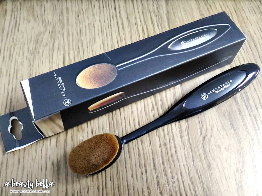 Makeup Paddle Brush