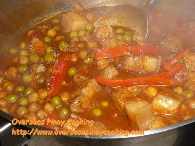 Pork Gisantes and Garbanzos - Cooking Procedure