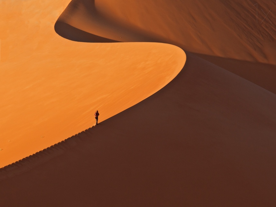 25 photos that prove that man is a grain of sand in this world