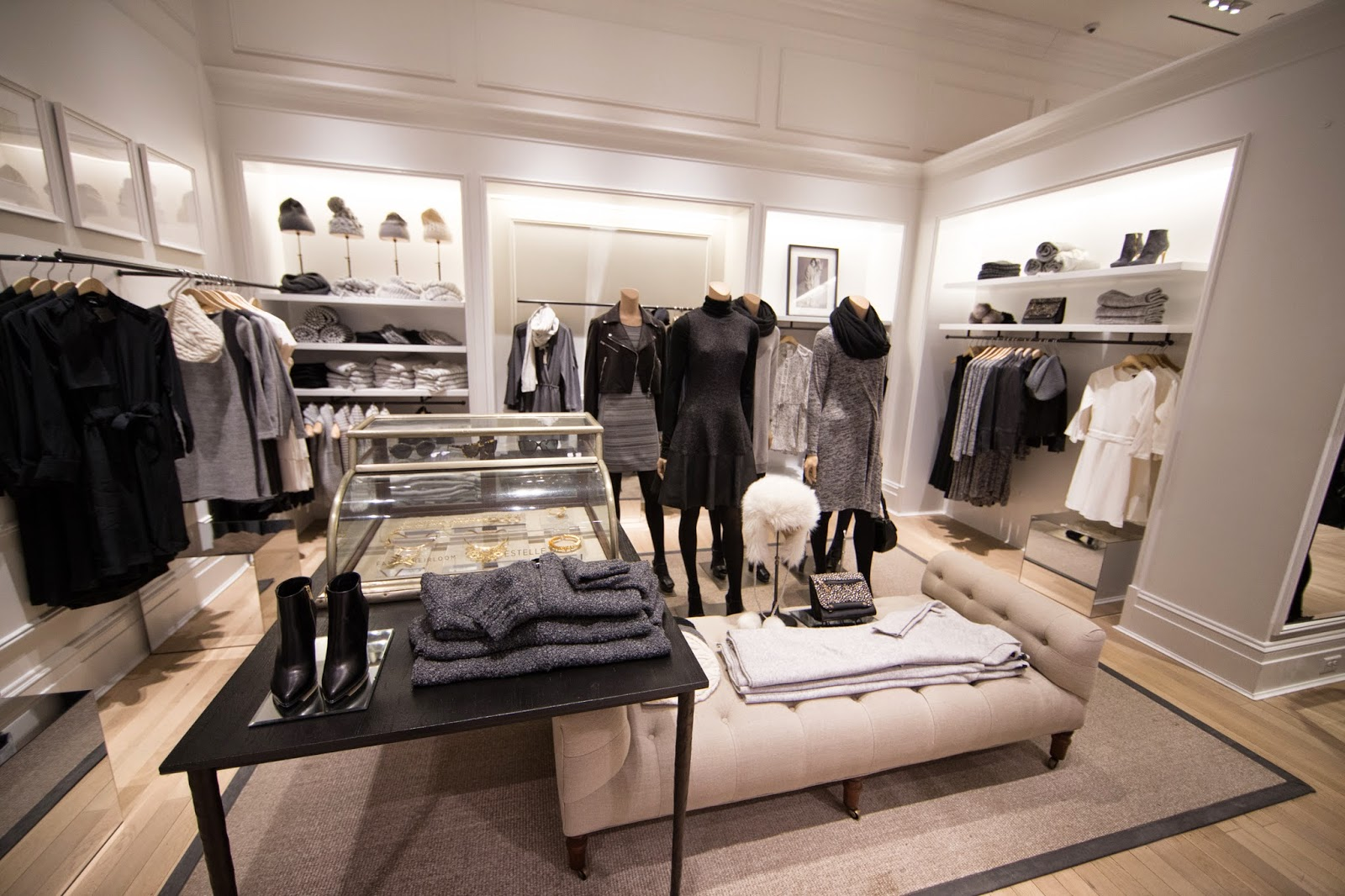 Club Monaco is a women's and men's fashion brand built on thoughtful, versatile design that celebrates the individual. Club Monaco is a women's and men's fashion brand built on thoughtful, versatile design that celebrates the individual.