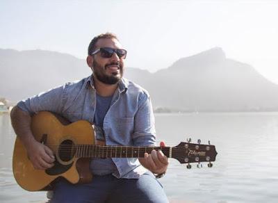 Cantor Bernardo Ritto se apresenta no TopShopping nesta terça-feira (30)