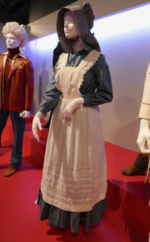 Ballad of Buster Scruggs Alice Longabaugh costume