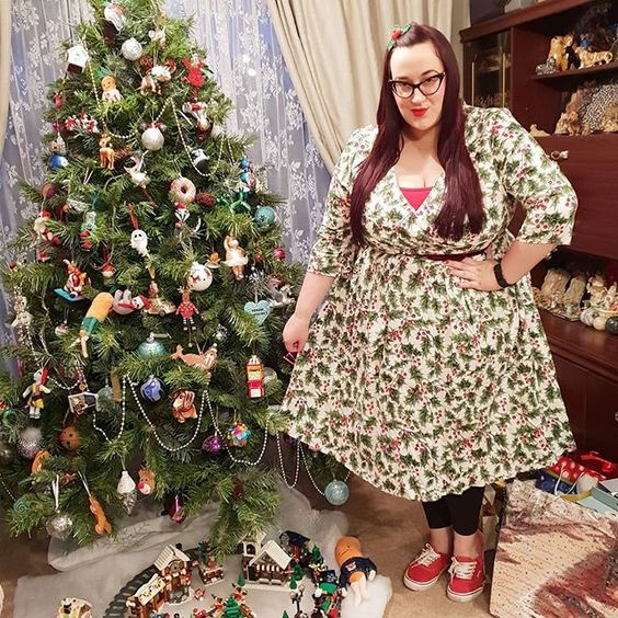 Hell Bunny Holly Berry Dress plus size