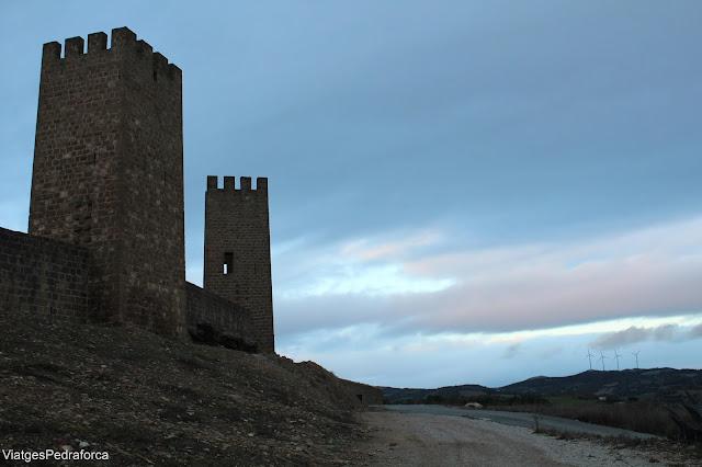 El cerco de Artajona, Navarra, Ciutats medievals emmurallades