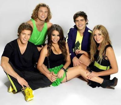Foto de Teen Angels posando sentados