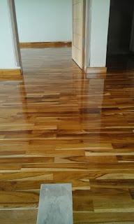 Aplikasi lantai kayu Jati