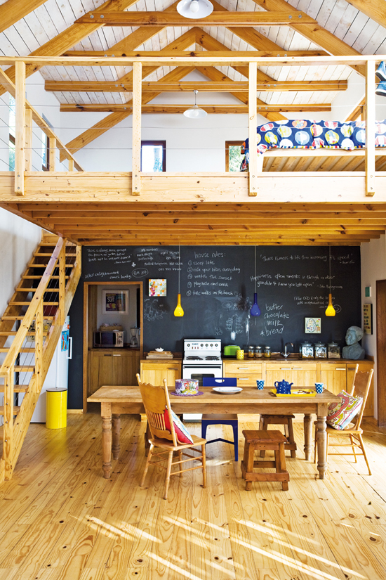 Cottage kitchen in Western Cape © Toby Murphy via @houseandleisure