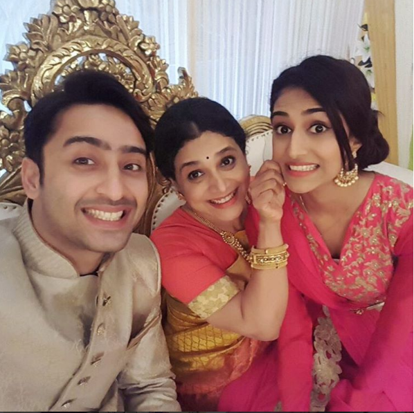 Sonakshi And Ishwari's Surprise Birthday Plan For Dev's Birthday In Kuch Rang Pyar Ke Aise Bhi