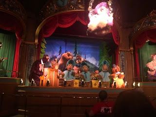 The finale scene of the Country Bear Jamboree at Disney World