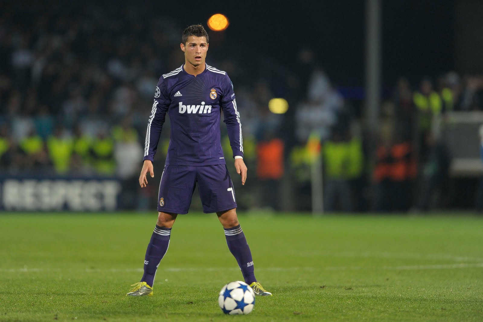 This Man Finally Revealed The Reason Why Ronaldo Does His Trademark