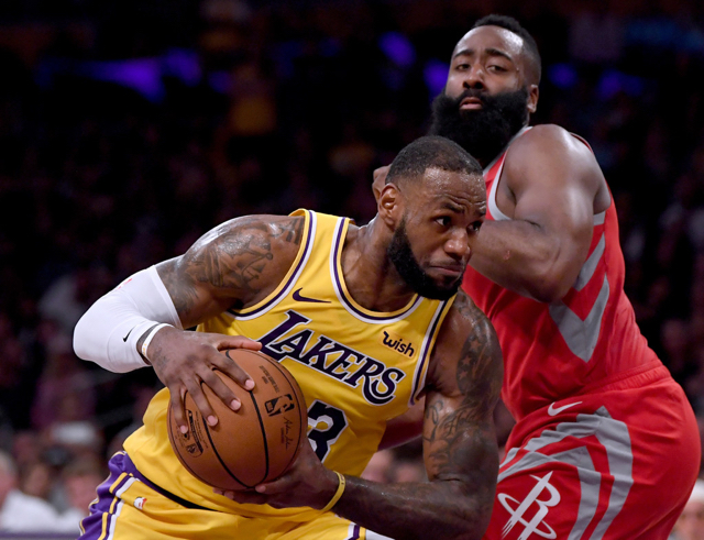 Harden logra triple doble en triunfo de Rockets sobre Lakers