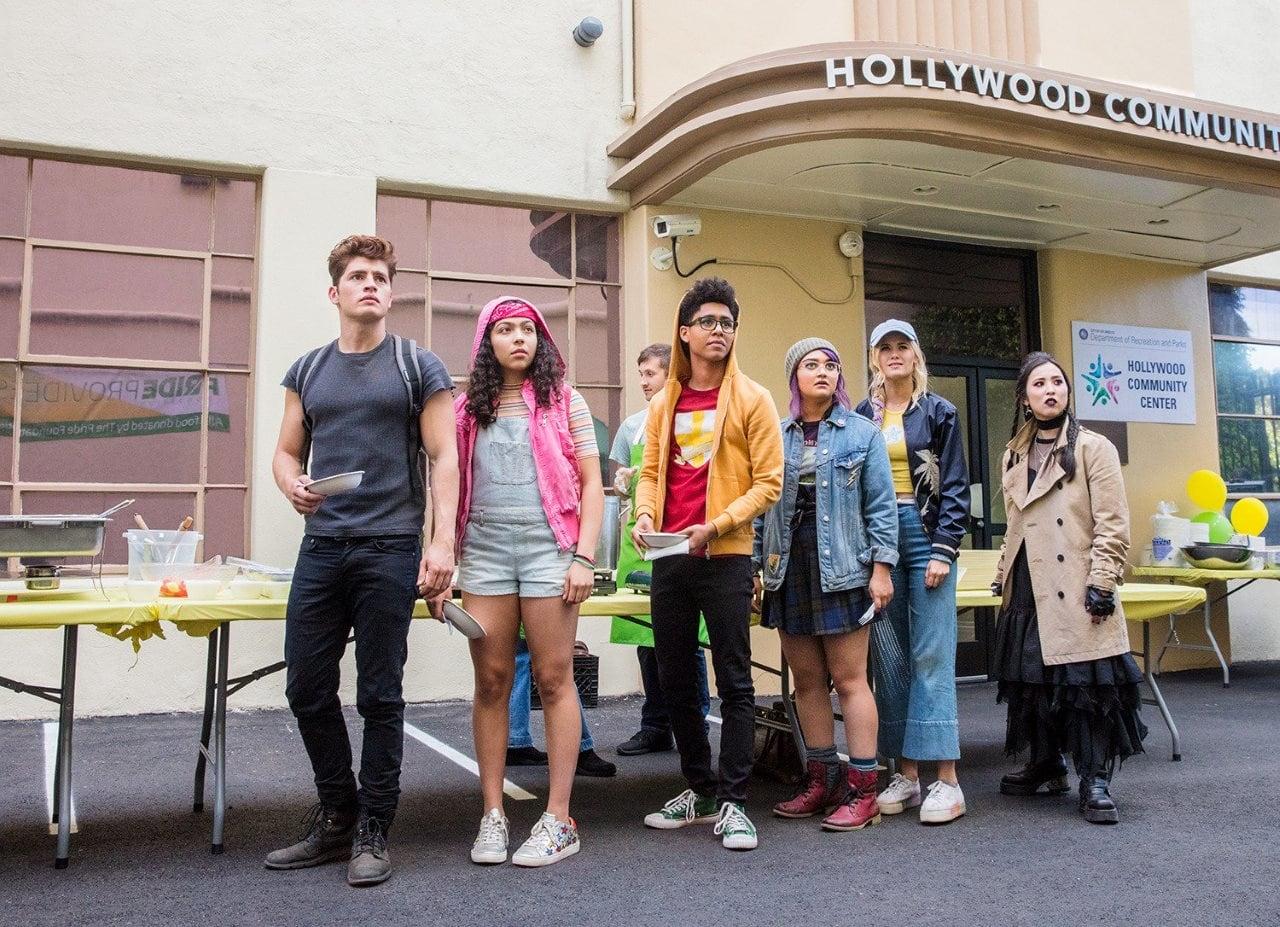Chase, Molly, Alex, Gert, Karolina y Nico en Runaways