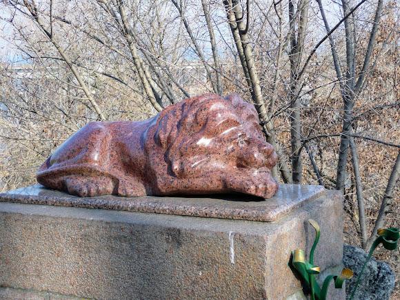 Николаев. Флотский бульвар. Спящий лев