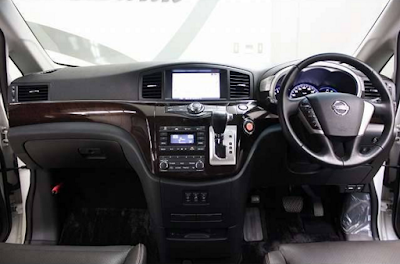 Interior Nissan Elgrand E52 Facelift