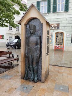 スロバキアのブラチスラバで見つけた銅像(衛兵)