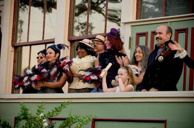 steampunk wedding, steampunk bride and groom, louise black corset, galveston, wedding, garten verein, corsets-uk, retroscope fashion, gentlemen's emporium