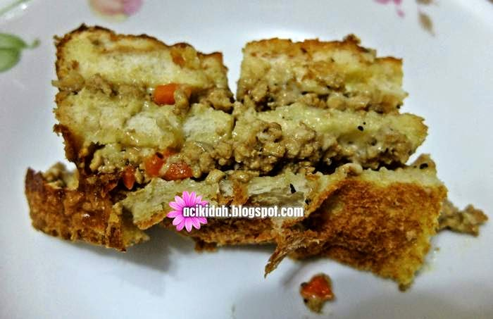 Cubaan Kedua Dan Resepi Roti Lapis Daging Berkeju.