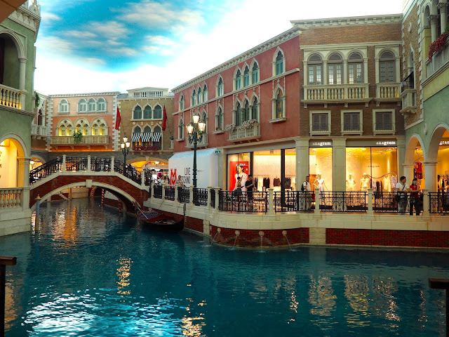 Grand Canal Shoppes inside The Venetian, Macau