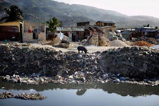 Gade kisa lelit tilolit la ap fè! Sewer%2Bin%2BPort-au-Prince