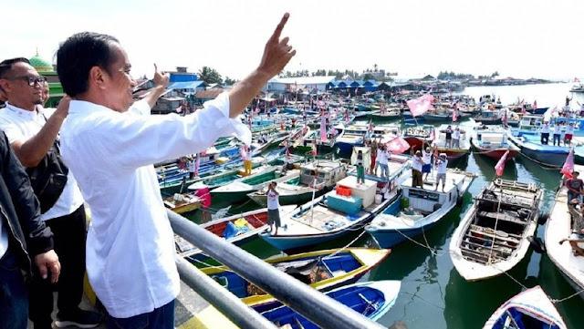 Kapal Hampir Karam, Fahri Hamzah Imbau Jokowi Lakukan Evakuasi Besar-besaran