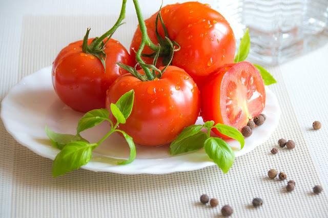 3 Cara Matangkan Tomat Segar dengan Cepat dan Mudah