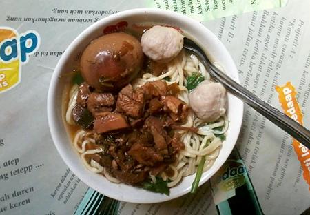 Mie Ayam Solo Ruteng, Nusa Tenggara Timur