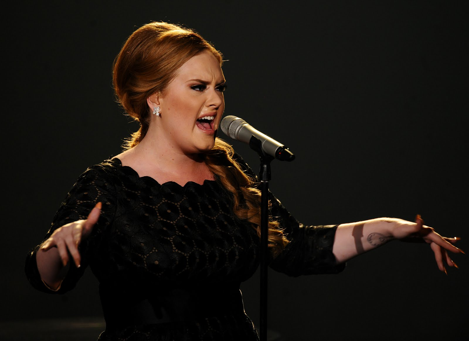 Adele to perform on the 59th annual Grammy Awards