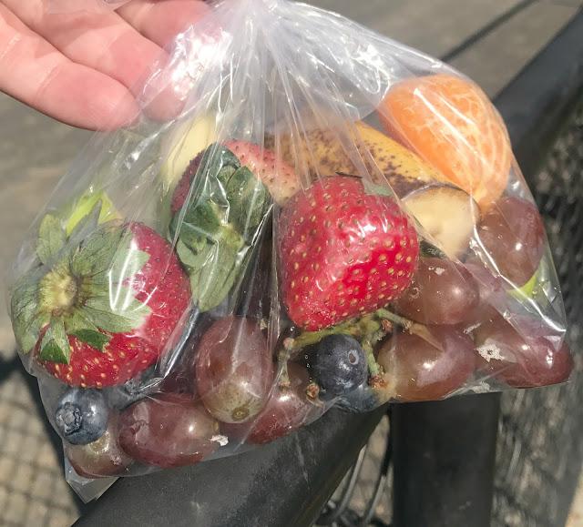 Rainbow fresh fruit snacks, rainbow fruit cups, rainbow fruit bags, fresh fruit recipes, fresh fruit snacks, snacks for after sports, healthy snacks, easy snacks, baseball snacks