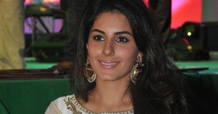 Isha Talwar Latest Photos: Isha Talwar Latest Hot Photos From Raja Cheyyi Veste Movie