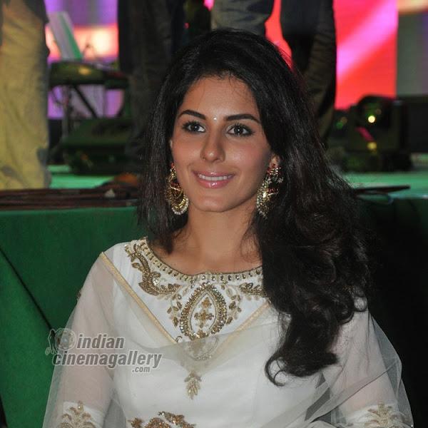Isha Talwar latest hot photos from Raja Cheyyi Veste Movie Audio launch