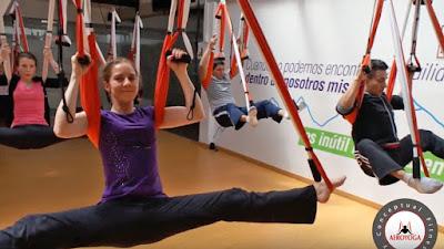 aeroyoga, airyoga, aerial yoga, aerial pilates, aero pilates, cadera, rodilla, columna, espalda, dolor, yoga aereo, pilates aereo, teacher training, cursos, clases, escuelas