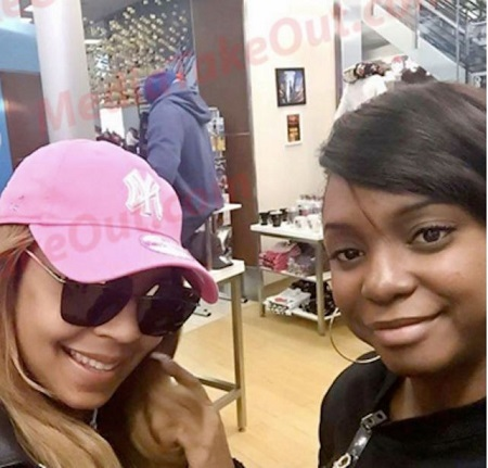 Embarrassment! Popular Singer Accused of Stealing Baseball Cap From Store (Photo)