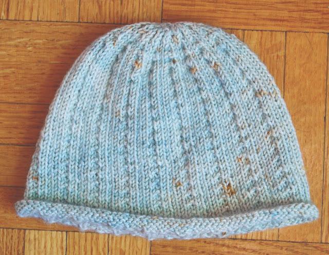 Bonnet tricoté pour bébé Virgule